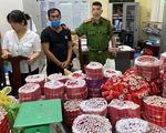 Bắt giữ nghi phạm tàng trữ ma túy, khám phá ra 'kho' pháo lậu