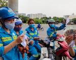 Công nhân môi trường bị nợ lương được tặng tiền, hỗ trợ chỗ ở, khám bệnh