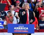 Ông Trump đi vận động trở lại, tuyên bố sẽ