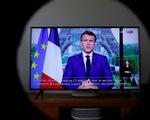 Pháp: muốn đi xem phim, đi tàu hỏa, máy bay phải có