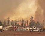 Cháy rừng khắp 10 bang ở Mỹ, nóng đạt đỉnh