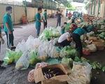 Dân TP.HCM đặt mua rau củ nhiều, bưu cục giao hàng không kịp