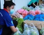 Hơn 7 tấn nhu yếu phẩm cho sinh viên Trường đại học Công nghiệp thực phẩm TP.HCM