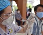 Nhiều người dân TP.HCM vui mừng được tiêm vắc xin COVID-19