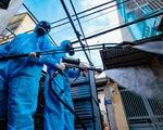 Phun khử khuẩn toàn bộ thị trấn Quốc Oai, Hà Nội vì chùm ca bệnh phức tạp