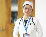 Nữ bác sĩ sắp về hưu xin ở lại điều trị cho bệnh nhân COVID nặng