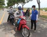 Chỉ thị triển khai cuối tuần, nhiều người Đà Nẵng không kịp chuẩn bị phiếu đi chợ, giấy đi đường