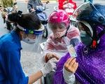 Người dân thở phào khi Hà Nội điều chỉnh công văn siết chặt giấy đi đường