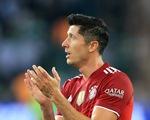 Lewandowski cứu ĐKVĐ Bayern Munich khỏi thất bại ở trận ra quân tại Bundesliga
