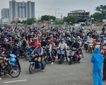 TP.HCM: Hàng trăm người tự ý về quê được khuyên quay lại nơi tạm trú, lên danh sách hỗ trợ