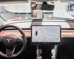 Mỹ điều tra chính thức với hàng trăm ngàn xe Tesla