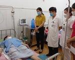 Hai nam nhân viên trung tâm y tế hiến máu cứu sản phụ qua cơn nguy kịch