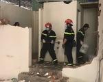 Lính chữa cháy cấp bách hỗ trợ xây dựng bệnh viện dã chiến điều trị COVID-19