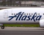 Điện thoại bốc cháy, cả chuyến bay vội vã sơ tán