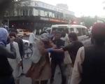 Nổ bên ngoài sân bay Kabul, 13 người thiệt mạng, trong đó có cả trẻ em