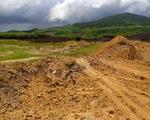 Mục sở thị 'công trường' khai thác cát trái phép trên sông Rác