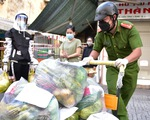 Chiến sĩ công an 'chốt đơn' đi chợ giúp dân ngay trong ngày