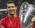 Mua Ronaldo, Manchester United không còn thích... Photoshop
