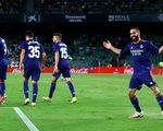 Carvajal ghi bàn thắng đẹp đưa Real Madrid lên đầu bảng