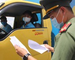 Doanh nghiệp xuất khẩu kêu khó xin cấp giấy đi đường