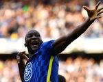 Lukaku lập cú đúp, Chelsea chia sẻ ngôi đầu bảng với Man Utd