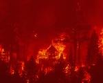 California kích hoạt luật thời chiến để ứng phó cháy rừng