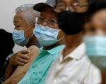 Ca COVID-19 tăng, Singapore bắt đầu tiêm liều bổ sung vắc xin