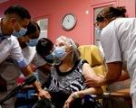 Pháp vượt Mỹ về tỉ lệ tiêm chủng vắc xin COVID-19 sau khởi đầu chậm chạp