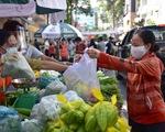 Quận 5 mở chợ lưu động cho người dân