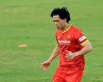 Tuyển Việt Nam trước trận gặp Trung Quốc, Oman: Ông Park bận tâm ở hàng thủ