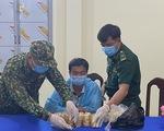 Điều tra vụ vận chuyển 2,2kg kim loại nghi là vàng trị giá hơn 2,7 tỉ qua Campuchia