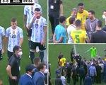 Đá 7 phút, Messi và cầu thủ Argentina ngừng thi đấu để phản đối cảnh sát Brazil