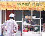 Dân Đồng Tháp Mười đổ đi mua bánh mì, hủ tiếu ăn sáng sau 50 ngày ở yên trong nhà