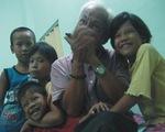 'Ông già harmonica' và những đứa trẻ lang thang