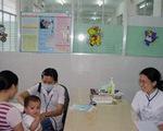 Không nên tự dùng Ibuprofen hạ sốt cho trẻ