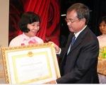 Hội Liên hiệp phụ nữ TP.HCM nhận Huân chương Lao động hạng ba