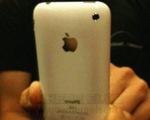 iPhone 3GS bị ngả màu sơn, nhưng 'cháy hàng'