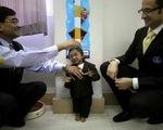 Cậu bé Nepal trở thành người lùn nhất thế giới