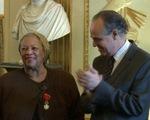 Nhà văn Toni Morrison nhận Bắc đẩu bội tinh