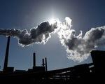 Úc thông qua luật thuế carbon