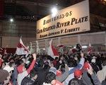 Hỗn loạn ngày xuống hạng của River Plate