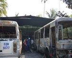 Cháy garage, xe buýt và xe khách bị thiêu rụi