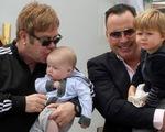 Anh công nhận hôn nhân đồng tính, Elton John làm đám cưới