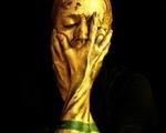 Nghệ sĩ hóa thân thành cúp vàng World Cup