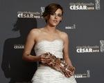 Ngôi sao Twilight làm nên lịch sử tại giải 'Oscar' Pháp