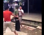 Tạm đình chỉ công an rút dao đánh nhau với tài xế
