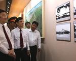 Chủ tịch nước dâng hương khu lưu niệm luật sư Nguyễn Hữu Thọ