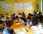 Già làng, trưởng bản gọi học sinh đến trường