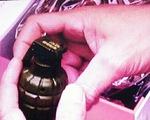 Đem lựu đạn đi giải quyết mâu thuẫn