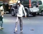 Video nhựa đường ở Ấn Độ tan chảy dưới nắng nóng